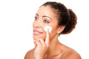 Recetas de exfoliantes para el rostro. 4 recetas caseras para hacer exfoliantes para el rostro. Cómo exfoliar el rostro