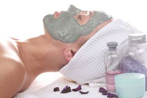 Las mascarillas de arcilla son un tratamiento muy eficaz. Prepara esta receta casera para hacer una mascarilla de arcilla