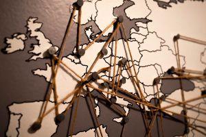 Ilustración de Tips para Viajar a Europa por un Mes