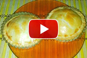 Receta para hacer tartaletas de jamón y queso. Cómo hacer mini-tartas de jamón y queso. Mini tarta de jamón y queso rápido y fácil