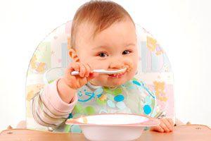 Comidas caseras para tu bebé de 6 meses. Recetas para un bebé de 6 meses de edad. Alimentos solidos para bebés de 6 meses
