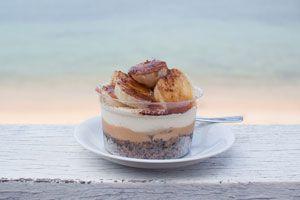 Cómo hacer el postre pavlova. Pastel de banana y caramelo pavlova. Receta para hacer una torta de banana y caramelo