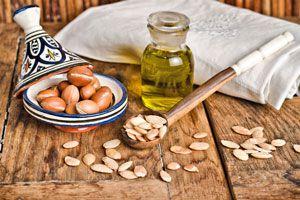 Usos y beneficios del aceite de argán. Cómo aprovechar las propiedades del aceite de argán. Qué es el aceite de argán y cómo usarlo?