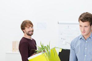 Claves para encajar si eres nuevo en un trabajo. Cómo actuar en un trabajo nuevo. Qué hacer si eres el nuevo en un trabajo