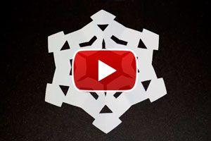 Manualidades para Navidad. Copos de nieve de papel para la decoración navideña. Cómo hacer una decoración navideña con papel