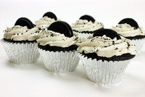 Cómo preparar cupcakes de galletas oreo. Receta para hacer cupcakes de coca cola. 2 recetas para preparar cupcakes originales