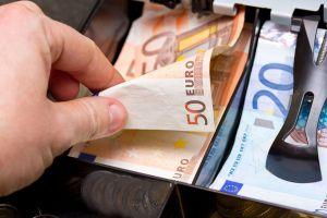 El euro es una de las monedas extranjeras más usadas en los viajes