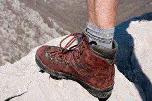 Cómo elegir el calzado para ir de viaje. Tips para escoger el calzado para llevar a un viaje. Qué zapatos llevar a un viaje?