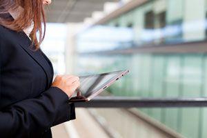 Consejos para conectarse a internet desde el extranjero. Qué conviene usar para conectarse a internet en otro pais. Roaming en el exterior al viajar