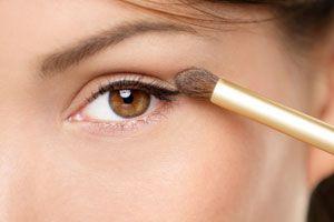 Ilustración de Consejos para Aplicar el Maquillaje