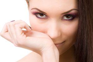 Consejos para escoger un perfume. Tips para elegir el perfume ideal para tu tipo de piel. Claves para elegir perfumes y fragancias