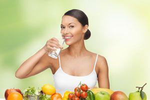 Alimentos que ayudan a cuidar la voz. 5 alimentos nutritivos para recuperar la voz. Cómo cuidar la garganta con alimentos saludables.