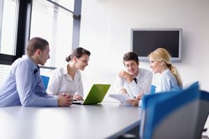 Consejos para retener empleados. Ideas para crear un buen clima laboral y retener empleados. Cómo evitar que los empleados renuncien