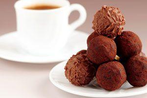 Cómo preparar trufas de chocolate saludables. Receta para hacer trufas de chocolate caseras. Ingredientes y preparación de las trufas de chocolate