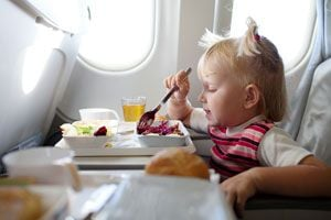 Cómo Viajar en Avión con el Bebé