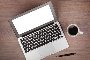 Ilustración de Consejos para Comprar una Laptop Usada en Internet
