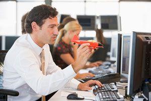Consejos para evitar distracciones al trabajar con internet. Claves para ser más productivo al trabajar con el ordenador.