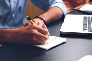 Guía para encontrar empleo de medio tiempo. Cómo buscar trabajo part-time. Claves para conseguir un empleo de medio tiempo.