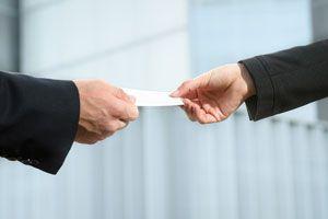 Claves para crear tarjetas de presentación. Cómo diseñar una tarjeta de presentación efectiva. Trucos para diseñar tarjetas personales