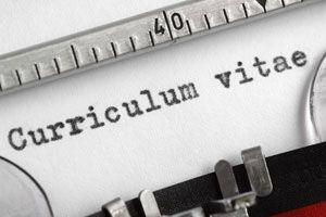 Ilustración de Cómo Detectar Mentiras en un Currículum