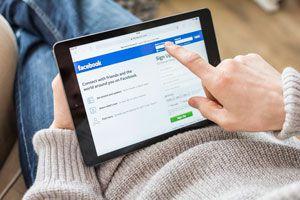 Cómo evitar comprometer tu trabajo con Facebook. Conductas que debes evitar en facebook para no comprometer tu trabajo.