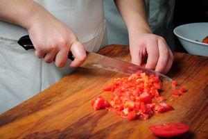 Claves para utilizar los cuchillo.s Consejos para usar los cuchillos en la cocina. Guía para aprender a usar los cuchillos como un profesional