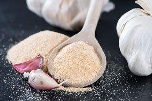Cómo preparar polvo de ajos casero. Método para hacer polvo de ajo. Guía para elaborar polvo de ajos casero. Cómo preparar ajo para saborizar