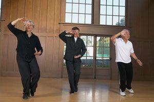 Beneficios de practicar Tai Chi en la tercera edad. Razones para practicar tai chi durante la tercera edad. Tai Chi Chuan para adultos mayores