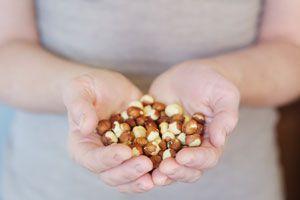 Tips para medir el tamaño de las porciones. Cómo controlar la cantidad de comida. Controlar las porciones de una dieta.