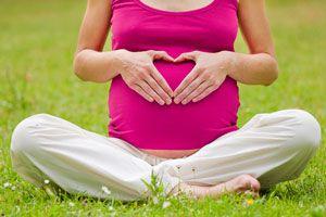 Ilustración de Yoga para Embarazadas: Posturas para la Primera Etapa
