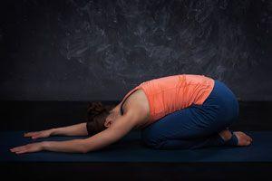 Posturas de Yoga para Aliviar Dolores Menstruales