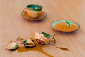 Cómo reutilizar tazas rotas. Ideas para aprovechar tazas rotas. Cómo decorar con tazas rotas