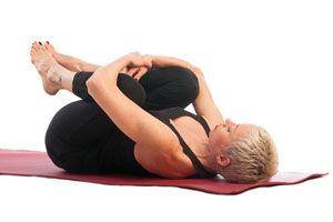 Asanas de yoga para personas mayores. Posturas de yoga ideales para la tercera edad. Ejercicios de yoga para personas de la tercera edad