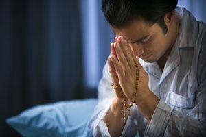 Ilustración de Oraciones para Rezar el Rosario