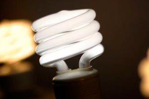 Consejos para ahorrar electricidad en la iluminación del interior y el exterior de nuestro hogar.
