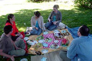Ilustración de Detalles para organizar un picnic con poco dinero