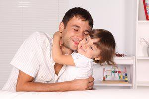 ¿Cómo es la relación del padre con su hija cuando es niña?
