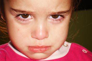 ¿Qué hacer si otros niños con los que juega tu hijo se portan mal?