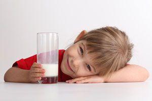 ¿Cómo debe ser un buen desayuno para los niños?