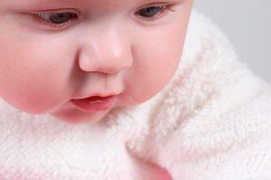 Mi bebé no me deja ni un segundo: ¿qué hago?