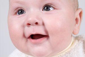 Ilustración de Etapas del desarrollo psicomotriz del bebé hasta los 12 meses