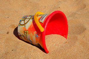 Cómo fabricar arena modelable para que jueguen los niños