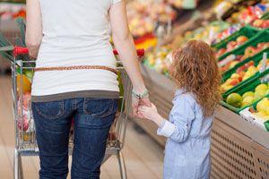 Cómo hacer las compras con los niños. Técnicas para ir de compras con los niños. Tips para hacer las compras con los niños. Ir a la tienda con niños