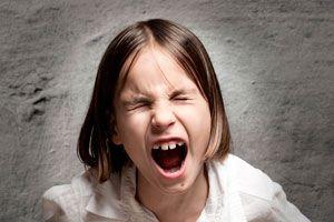 Qué hacer para callar a los niños. Cómo hacer callar a los niños que gritan. Cómo callar a niños que gritan mucho.
