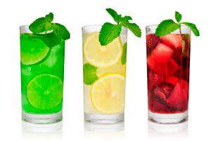Cómo preparar limonada. 4 recetas para hacer limonada. 4 recetas caseras para preparar limonada. Limonada rosa. limonada de menta
