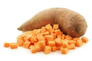 2 bocadillos de verduras caseros. Cómo hacer bocadillos de remolachas. Como hacer bocadillos de batata. Recetas de bocadillos con batata y remolacha