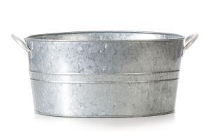 Un fuentón o cualquier recipiente similar cambia su aspecto con esta tecnica de galvanizado casera.